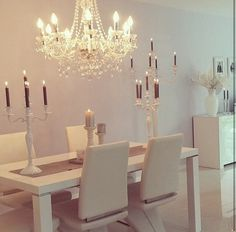 White interior, large candles, chic and easy to recreate. Unique House Plans, Dream House Plans, My Dream Home, Design Your Own Home, Mediterranean House Plans, Dining Room Design, Dining Rooms, Interior Decorating, Interior Design