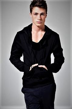Why did you leave Teen Wolf? Teen Wolf, Colten Haynes, Gorgeous Men, Beautiful People, Love My Man, Attractive Guys, Kawaii Clothes, Boy Hairstyles, Celebs