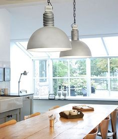 industrial lamps - contemporary country kitchen - Te gekke lampen van Frezoli bij Molitli Interieurmakers