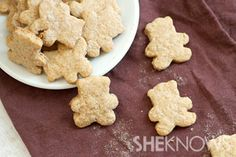 Homemade teddy grahams 1/2 cup almond flour 3/4 cup whole wheat flour 1/4 cup brown sugar 2-1/2 tablespoons sweetener or honey 1/2 teaspoon baking powder 1/4 teaspoon baking soda Dash of salt 1/2 teaspoon pumpkin pie spice 1/2 teaspoon vanilla extract 4 tablespoons unsalted butter, melted About 1/4 cup water or milk (we did half water, half milk) Bake for 10 minutes.