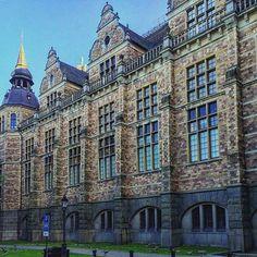 Stockholm, the impressive neo-renaissance facade of the Nordisk Museum  #nordiskamuseet#neorenaissance#renaissance#estocolmo#museumviews#museo#facade#fachada#windows#ventana#instamuseum#instasweden#instalooks#edificio#oldcity#summers#architects#panoramic#vision#myphoto#artworks#stockholm#sweden
