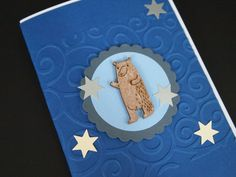 Wooden Bear Toppers from Hobbycraft (2015), Background: Sizzix Big Shot Embossing Folder