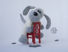 Kindly dog knitting pattern knitted round. Dog knitting