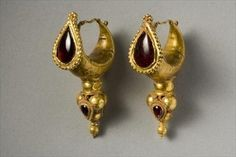 Earrings, gold and garnet, Parthian, 2nd century