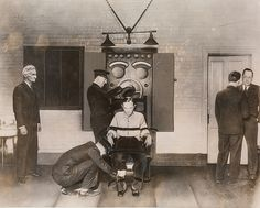 Bruno Richard Hauptmann being strapped in the electric chair. The crime and the evidence supporting the fact that there were other suspects is addressed in Neil Low's noir fiction, THICK AS THIEVES. Cruel People, Nuremberg Trials, Electric Chair, Natural Born Killers, Lindbergh, The Third Reich, Guinness World, National Gallery Of Art, True Crime