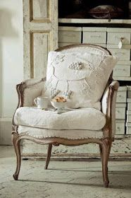Love this shabby chic chair upholstered from sackcloth of hemp French Furniture, Shabby Chic Furniture, Shabby Chic Decor, Painted Furniture, Furniture Vintage, Plywood Furniture, Pallet Furniture, Rustic Furniture, Furniture Makeover
