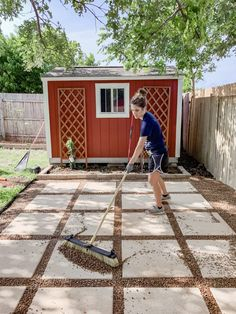 Learn exactly how to build this diy pea gravel and paver patio in your backyard in just a few days! A paver patio can be a lot of work. T this more casual version is really diy-friendly! Patio Pavé, Pea Gravel Patio, Budget Patio, Backyard Patio Designs, Small Backyard Landscaping, Small Patio, Patio Plants, Backyard Pavers, Patio Ideas With Gravel