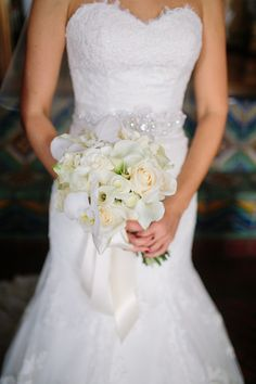 Beautiful White Bouquets , Wedding Flowers Photos by Troy Grover Photographers - Image 23 of 27 - WeddingWire