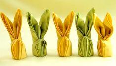 Har du lyst til å gjøre litt ekstra ut av borddekkingen til påske? Da må du prøve å brette disse påskeharene av serviettene! Sjekk videoen!
