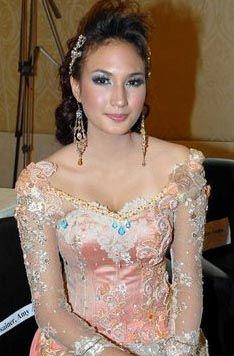 Dan Gambar Kebaya Modern Hasil Karya Designer Indonesia