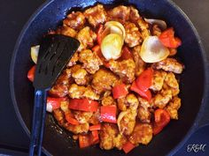 Sweet and Sour Chicken A highly versatile stir-fry dish, this simple sweet and sour chicken can be changed to be cooked with other proteins like pork, fish or prawns. Tasty, adaptable and easy! #kitchenmissus
