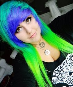 Emo Scene Hair, Blue Banana, Ultra Violet, Get The Look, Dyed Hair, Make Up, Turquoise, Long Hair Styles, Colour