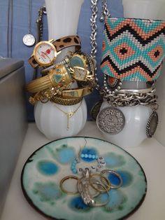 Arrange your #accessories in a #trendy way...