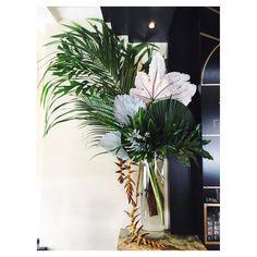 healthy breakfast ideas for picky eaters women video Art Deco Wedding Inspiration, Jeff Leatham, Corporate Flowers, Stencils, Wedding Reception Flowers, Vase Arrangements, Arte Floral, Flower Art, Planting Flowers
