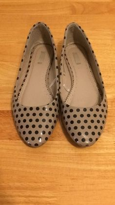 Nude and black, polka dot flats! Worn only a few times. Look super cute with cuffed jeans or leggings! #pinup