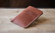 Leather glasses case | Cocuan | Handcrafted leather in Barcelona