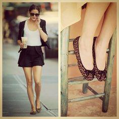 Olivia Palermo spotted drinking Starbucks and wearing Pretty Ballerinas #prettyballerinas