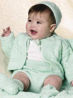 Make This Beautiful Knit Baby Summer Layette