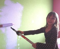 Twin Girls Bedroom gets a makeover! #DisneyPaintMom