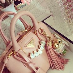 it's a perfect bag by Prada. rose @yourbag.yourlife http://yourbagyourlife.com/