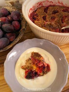 Pullantuoksuinen koti: Kauraherkkupuuro luumujen kera uunissa. Healthy oat porridge in the oven. Oatmeal Porridge, New Recipes, Healthy Recipes, Eating Well, Feel Good, Plum, Healthy Lifestyle, Oven, Food Porn