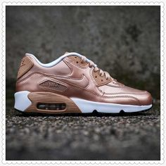 b09030a08575 The Nike Air Max 90 Is Classic That Can Be Found In A Variety Of Colors And  Measurements In Mens