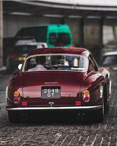 Most beautiful bum. cars The post Most beautiful bum. appeared first on Ferrari Photos. Alfa Romeo, Maserati, Bugatti, Lamborghini, Jaguar E Type, Jaguar Cars, Best Classic Cars, Car In The World, Car Photos