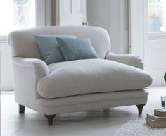 Our lovely contemporary Pudding love seat was made for dozing. It's ideal for sharing or hogging by yourself! Comfy Reading Chair, Big Comfy Chair, Living Room Sofa, Living Room Decor, Living Spaces, Fashion Room, Cozy House, Love Seat, Love Chair