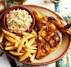 The Nando's Dash is back. The Nando's Dash is back next weekend. Nando's is giving away free chicken and Peri-Peri fries on Sunday, June from 11 a. in exchange for a non-perishable food item. Yummy Appetizers, Yummy Snacks, Nando's Chicken, Tandoori Chicken, Non Perishable Food Items, Best Food Ever, Food N, Appetisers, Restaurant Recipes