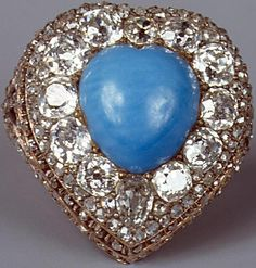 Turquoise and diamond ring Gold and silver ring with a turquoise cut heart cabochon, polished and rough diamonds. It is in Russia / St Petersburg / Hermitage. I Love Jewelry, Jewelry Art, Jewelry Accessories, Fine Jewelry, Jewelry Design, Aquamarine Jewelry, Turquoise Jewelry, Perfume, Antique Rings