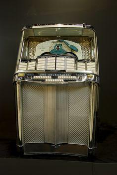 New hat illustration tea time 55 Ideas Vintage Music, Retro Vintage, Vintage Box, Lps, Radios, Music Machine, Old Music, Record Players, Old Tv