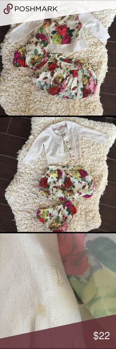 💛 Perfect Easter Outfit 💛 Petal Skirt, Cardigan, and Bloomers. Small stain in picture 3. 6-12 months Baker by Ted Baker Matching Sets