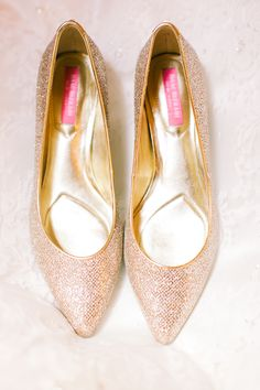 Champagne glitter heels. Isaac Mizrahi. | photography by http://www.bhullphotography.com/