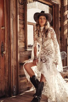 The ultimate Boho bridal Designer Rue de Seine have a beautiful new collection Moonrise Canyon. Take a sneak peek at their beautiful Boho bridal gowns. Bohemian Bride, Bohemian Wedding Dresses, New Wedding Dresses, Bohemian Weddings, Indian Weddings, Gown Wedding, Modern Bohemian, Wedding Shoes, Boho Chic