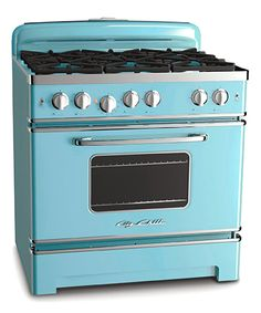 Big Chill's 36-inch 6 burner stove with stainless steel construction, authentic chrome trim and handle works as great as it looks! Available in natural gas or propane. Choose from a range of standard colors or 200 custom colors.