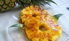 Geröstete Ananas ist ein interessantes Dessert, das bei der Gewichtsabnahme hil… Roasted pineapple is an interesting dessert that helps with weight loss, but it is even more useful for many other things …. Healthy Eating Tips, Healthy Nutrition, Healthy Drinks, Healthy Cooking, Healthy Life, Healthy Snacks, Healthy Recipes, Drink Recipes, Roasted Pineapple
