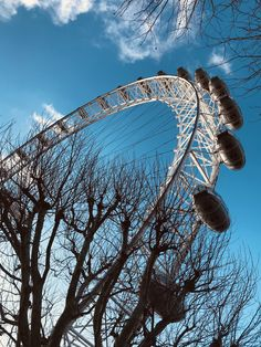 Blue Sky London Eye  💙