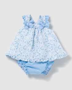 Baby Dress Design, Baby Girl Dress Patterns, Baby Clothes Patterns, Baby Girl Dresses, Vintage Kids Fashion, Little Girl Fashion, Baby Girl Christmas Dresses, Kids Dress Wear, Baby Frocks Designs