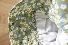 초원의집 보넷. 보넷모자만들기. : 네이버 블로그 Floral Tie, Baby Car Seats, Dolls, Sewing Ideas, Fashion, Fabric Dolls, Head Scarf Tying, Baby Dolls, Moda