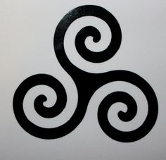 This listing is for Teen Wolf Triskelion Vinyl Decal! Decal measures and will stay on any hard surfaces! Great for cars, computers, gaming consoles, windows, and many more! If you have any questions or concerns please feel free to contact me. Scott Teen Wolf, Teen Wolf Derek Hale, Teen Wolf Stiles, Tatuagem Teen Wolf, Teen Wolf Desenho, Teen Wolf Tattoo, Wolf Tattoos Men, Tattoo Wolf, Knot Tattoo