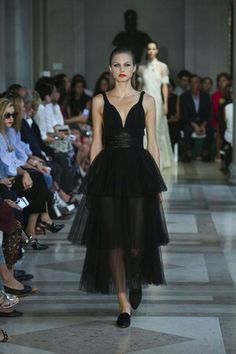Carolina Herrera Ready To Wear Spring Summer 2017 New York
