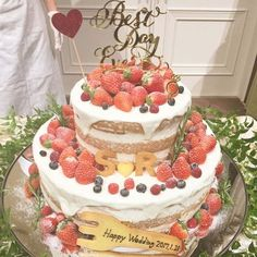 @marry_editorsのInstagram写真をチェック • いいね!1,263件 Berry Wedding Cake, Bridal Shower Cakes, Elegant Wedding Cakes, Wedding 2017, Cakes And More, Cake Toppers, Cake Decorating, Sweet Treats, Wedding Decorations
