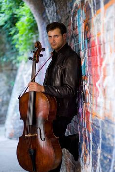 Beautiful Sunday morning picture from fb. Winter Senior Pictures, Male Senior Pictures, Cello Photography, Senior Photography, Cello Music, Violin, London Symphony Orchestra, Senior Guys, Picture Poses