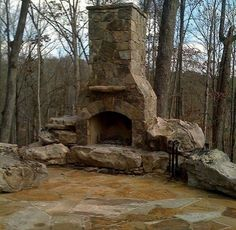 Epic 50+ Marvelous Rustic Outdoor Fireplace Designs For Your Barbecue Party https://decoor.net/50-marvelous-rustic-outdoor-fireplace-designs-for-your-barbecue-party-2725/