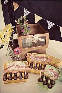idée plan de table mariage avec chocolats dans boîtes à oeufs