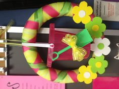 Pool noodle summer wreath - cute idea for a pool party.