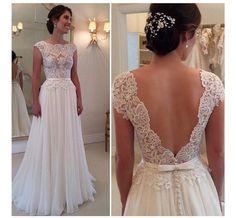 Gown                                                                                                                                                                                 Mais