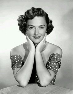 donna reed photo in Entertainment Memorabilia Old Hollywood Stars, Hollywood Actor, Golden Age Of Hollywood, Vintage Hollywood, Hollywood Glamour, Classic Hollywood, Classic Actresses, Female Actresses, Actors & Actresses