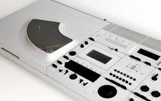 "Wega Concept ""Skywalker"" 1976 design by Hartmut Esslinger (MOMA-Collection) At age 25 Esslinger finished studies at the Fachhochschule Schwäbisch Gmünd in Germany and started his own design agency Electronics Companies, Electronics Gadgets, Radios, Le Manoosh, Creative Inspiration, Design Inspiration, Frog Design, Audio Design, Sony Design"