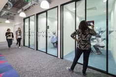 Edelman Office by Gensler - Office Snapshots